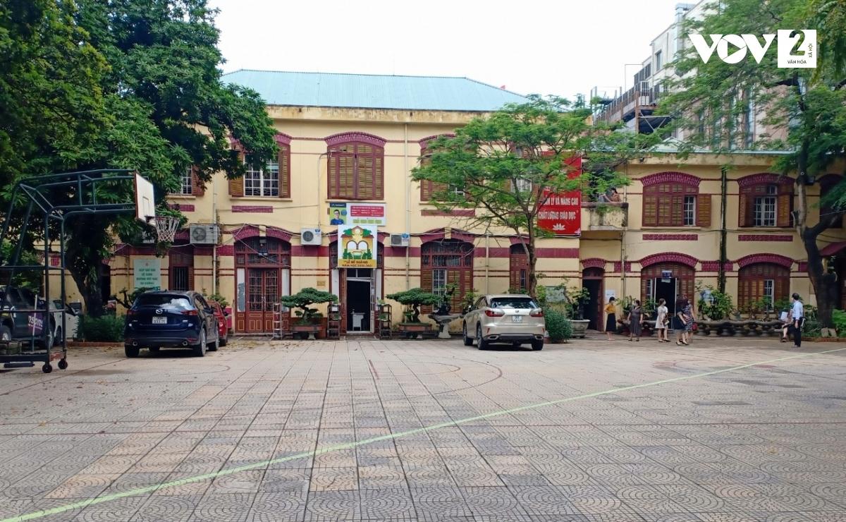 Điểm thi Trường THPT Trần Phú phân luồng thí sinh theo vạch kẻ.