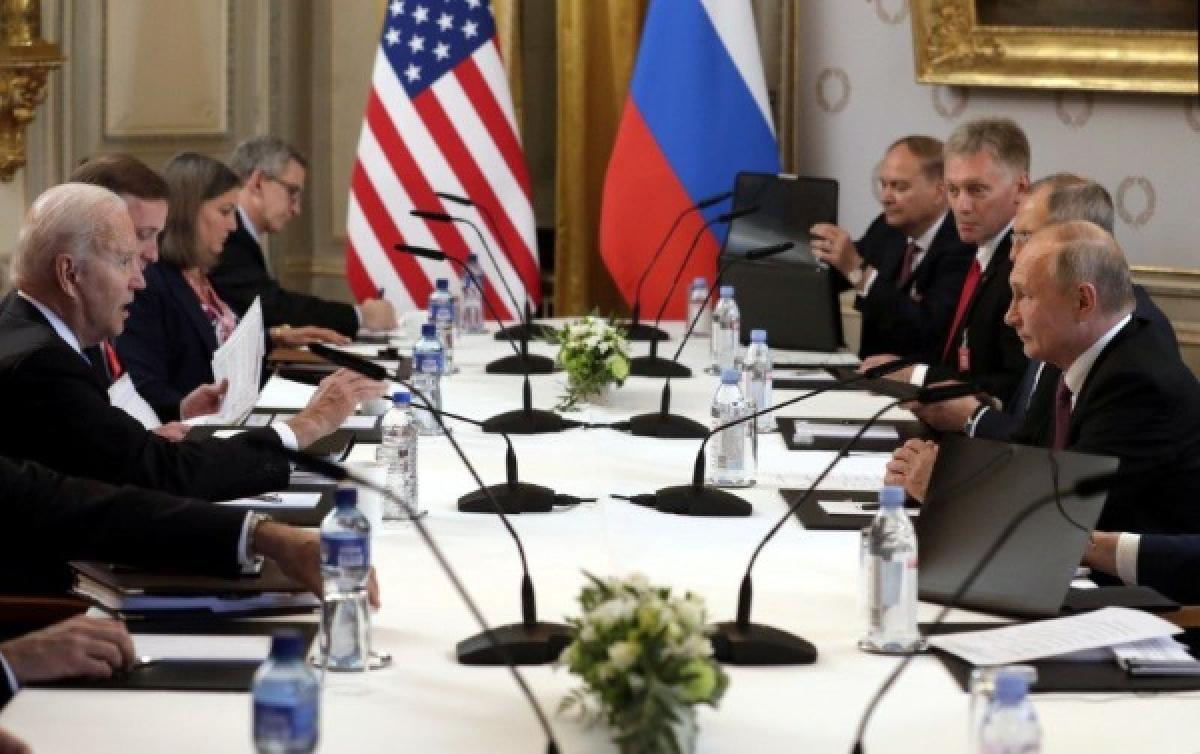 Thượng đỉnh đầu tiên giữa Tổng thống Mỹ Biden với nhà đồng cấp Nga Putin. Ảnh: Reuters