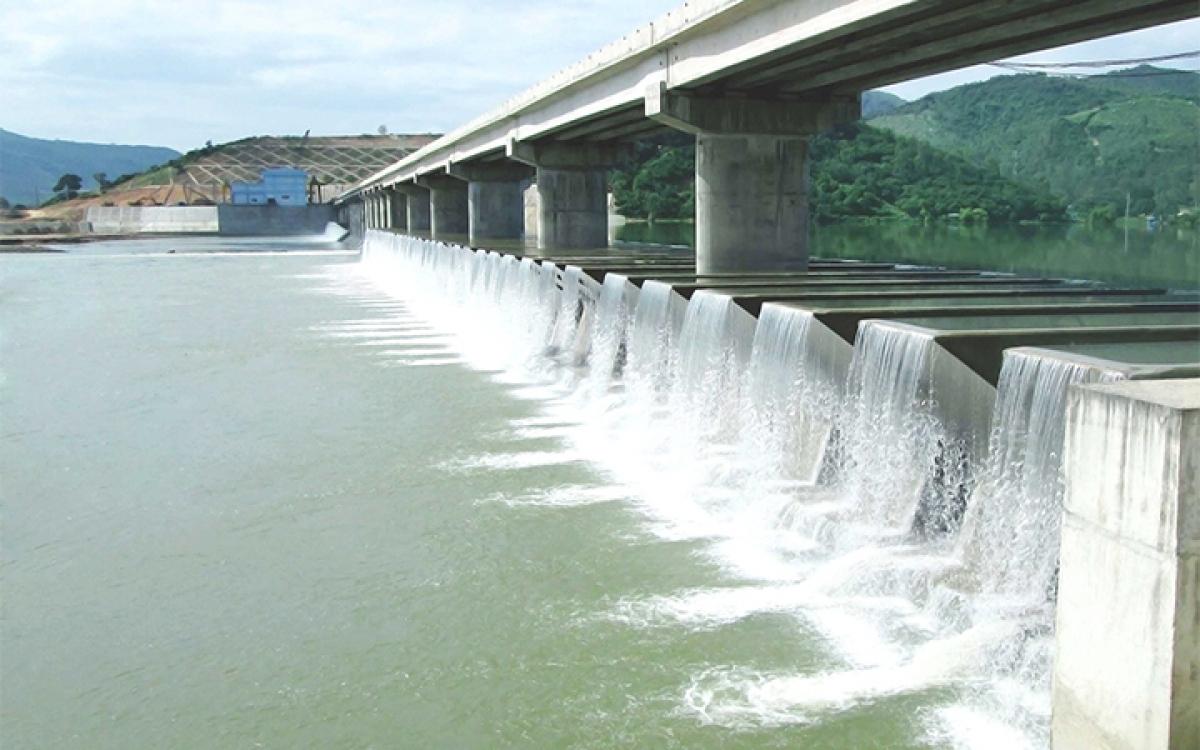 Đập dâng Văn Phong thuộc hợp phần khu tưới Văn Phong, huyện Tây Sơn (Bình Định), luôn bảo đảm nước tưới ổn định cho hơn 23.000 ha đất nông nghiệp.