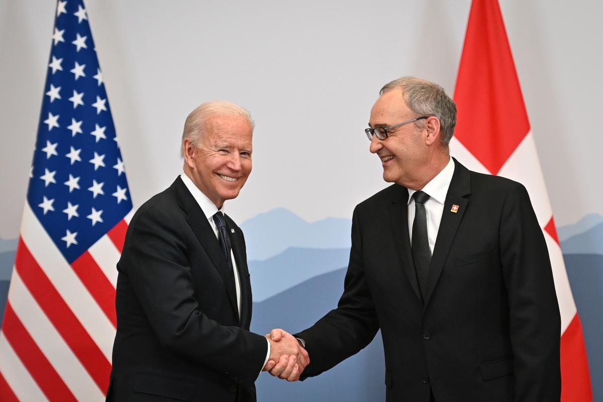 Tổng thống Mỹ đã tới Geneva Thụy Sỹ chuẩn bị cho hội nghị thượng đỉnh Nga Mỹ. Ảnh: Reuters