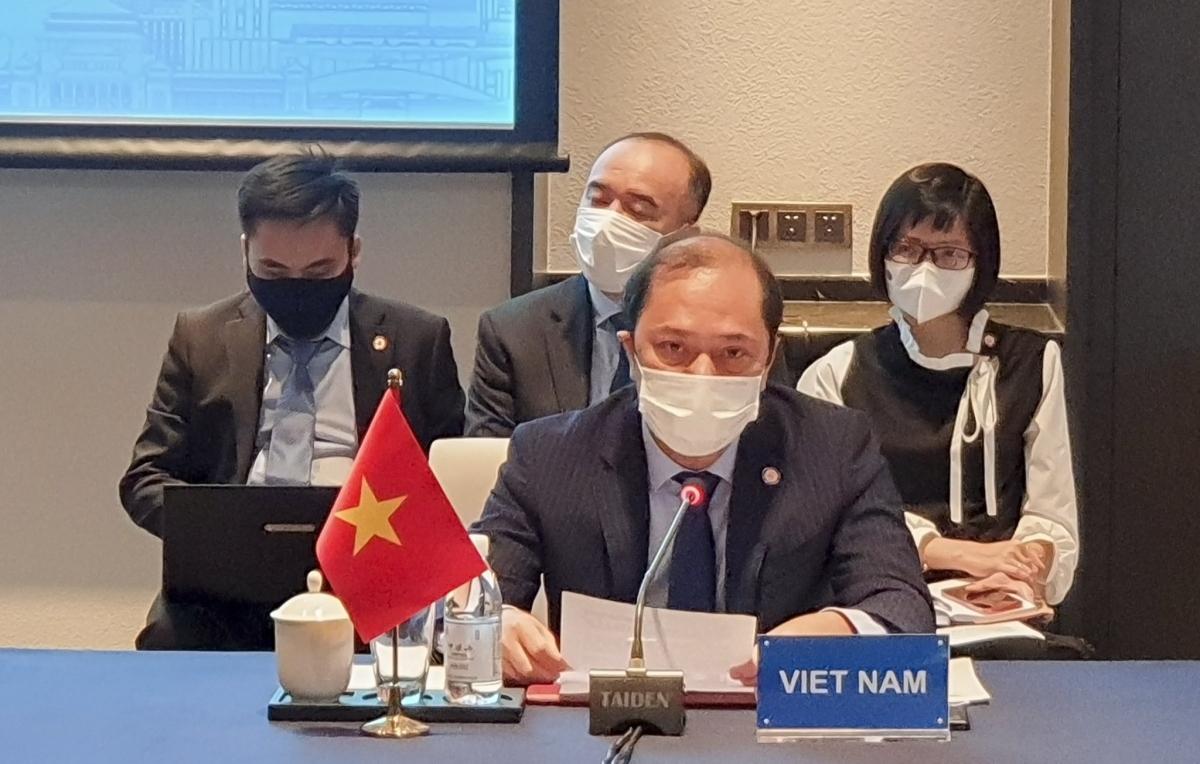 Thứ trưởng Bộ Ngoại giao Nguyễn Quốc Dũng tại Hội nghị