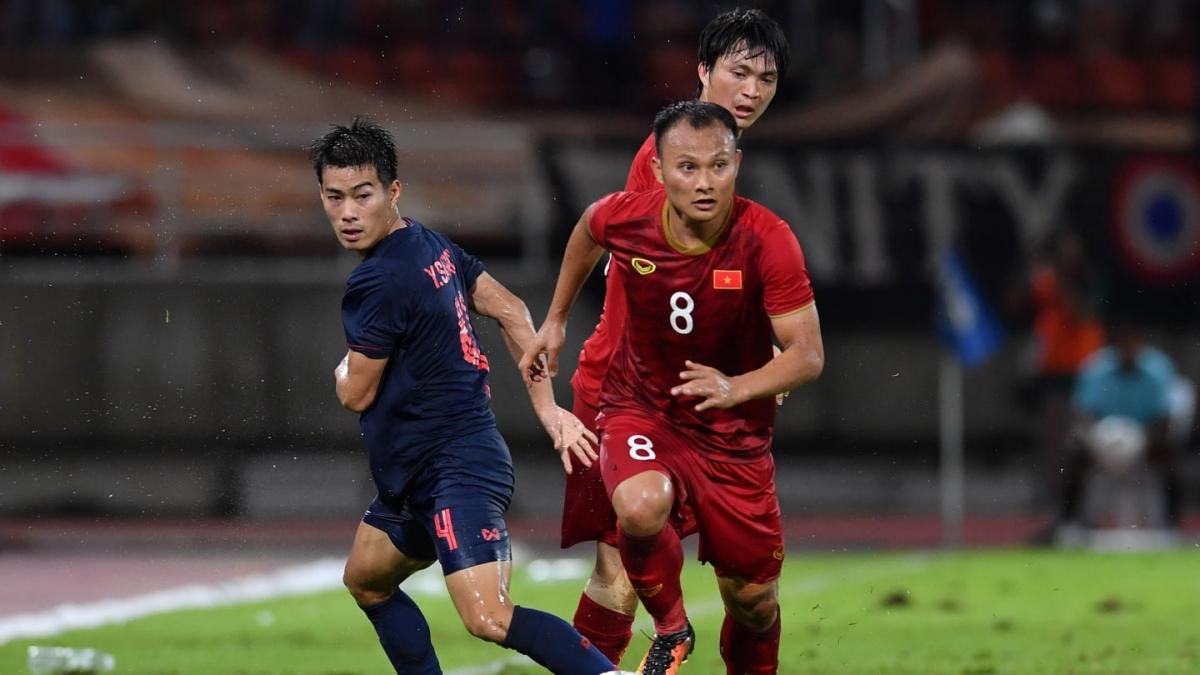 Trọng Hoàng trở lại ở trận đấu với Malaysia sau án treo giò (Ảnh: AFC).