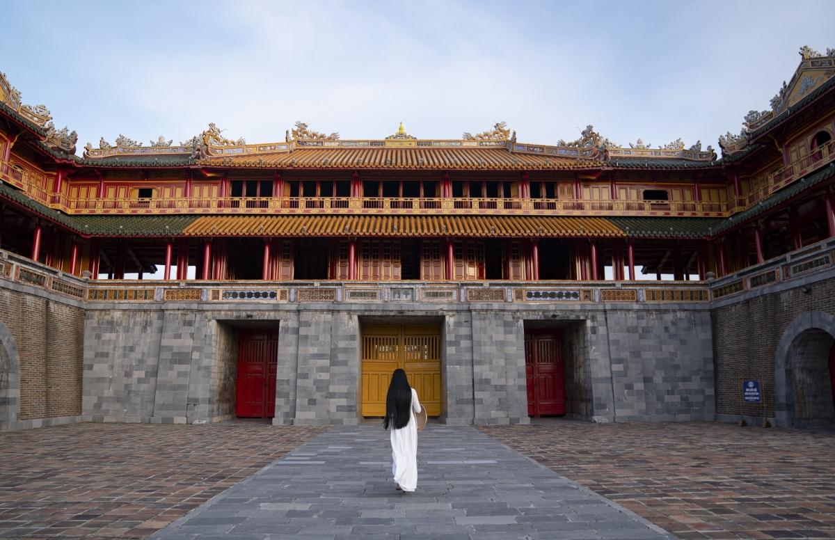 Ngắm những khoảnh khắc đẹp của Trương Thị May tại kinh thành xứ Huế...