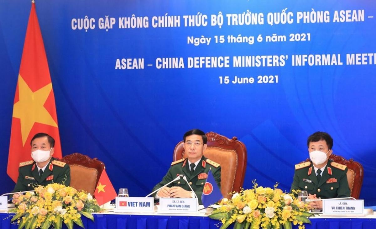 Thượng tướng Phan Văn Giang, Bộ trưởng Bộ Quốc phòng, trưởng đoàn Việt Nam dự cuộc gặp. (Ảnh: Trọng Đức/TTXVN)