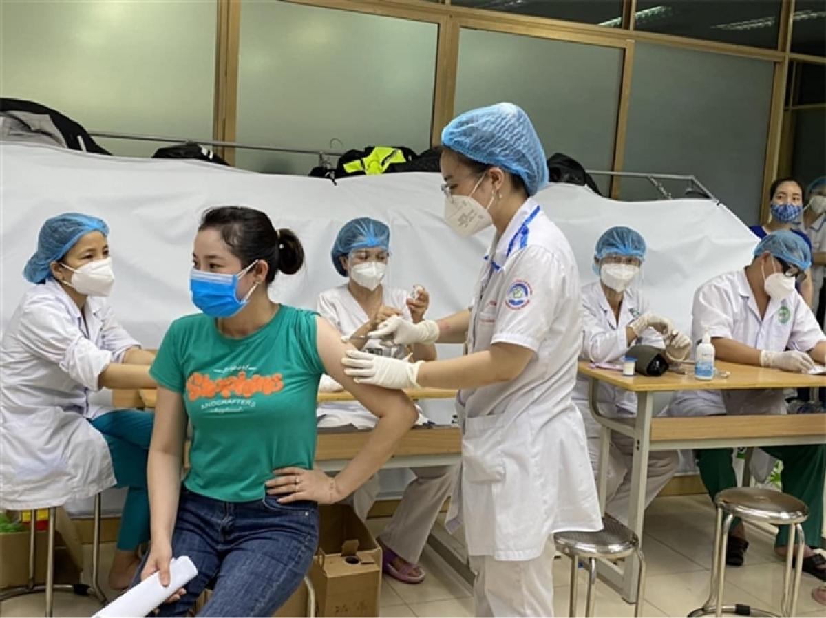 Tiêm mũi 2 hoặc nhắc lại vaccine là rất quan trọng để xây dựng hệ thống miễn dịch tốt cho cơ thể.
