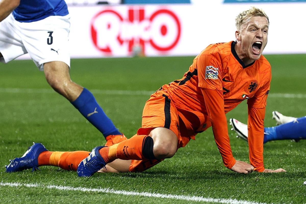 Van De Beek bỏ lỡ EURO 2021 vì chấn thương. (Ảnh: Getty)
