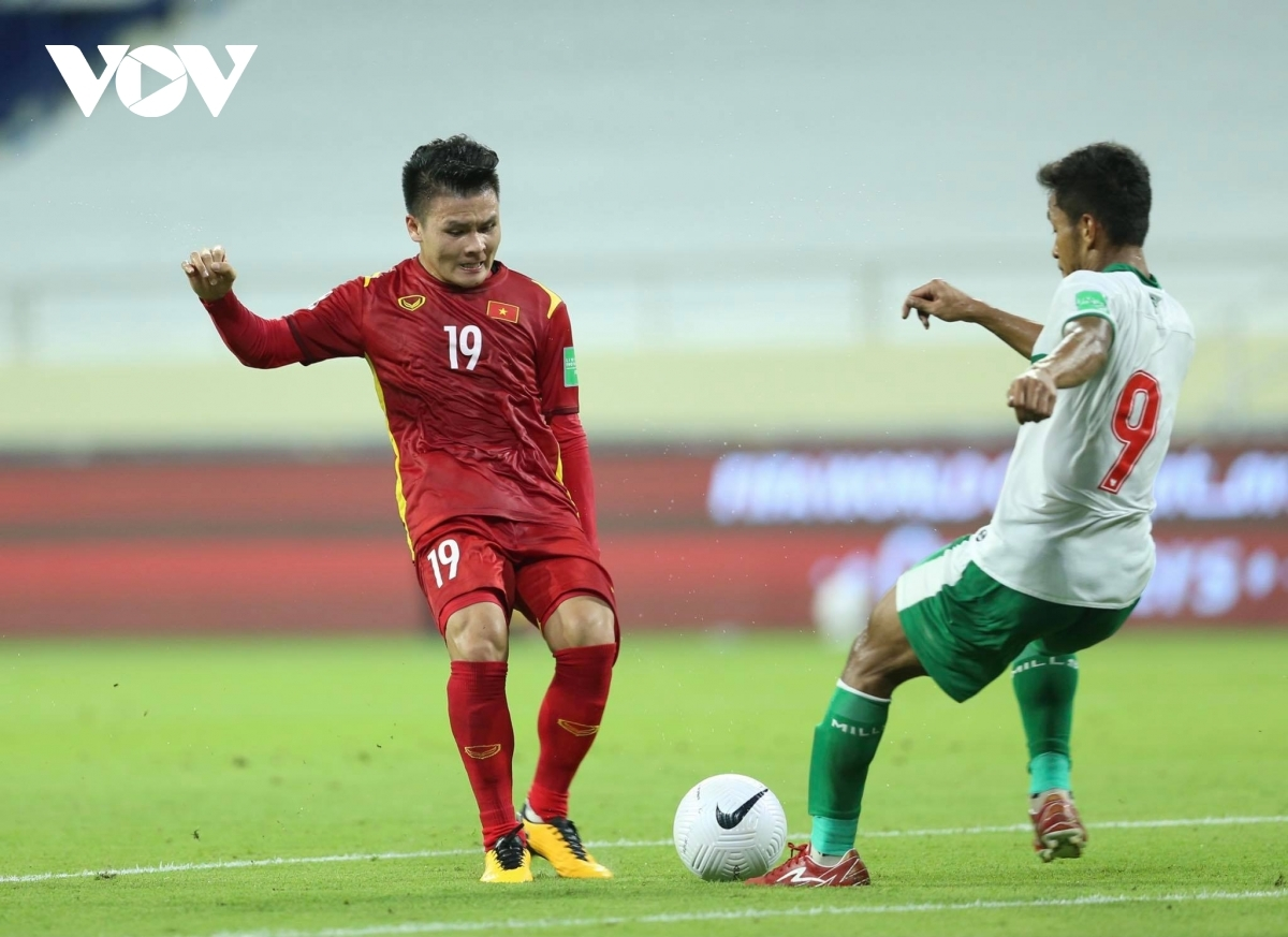 Head coach Park Hang-seo makes some changes to the team at half time to ensure Vietnam attack more in the second half. This helps Vietnam to go on and score the first goal in the 51st minute thanks to Tien Linh, with the second goal coming via a superb strike by Quang Hai a few minutes later.