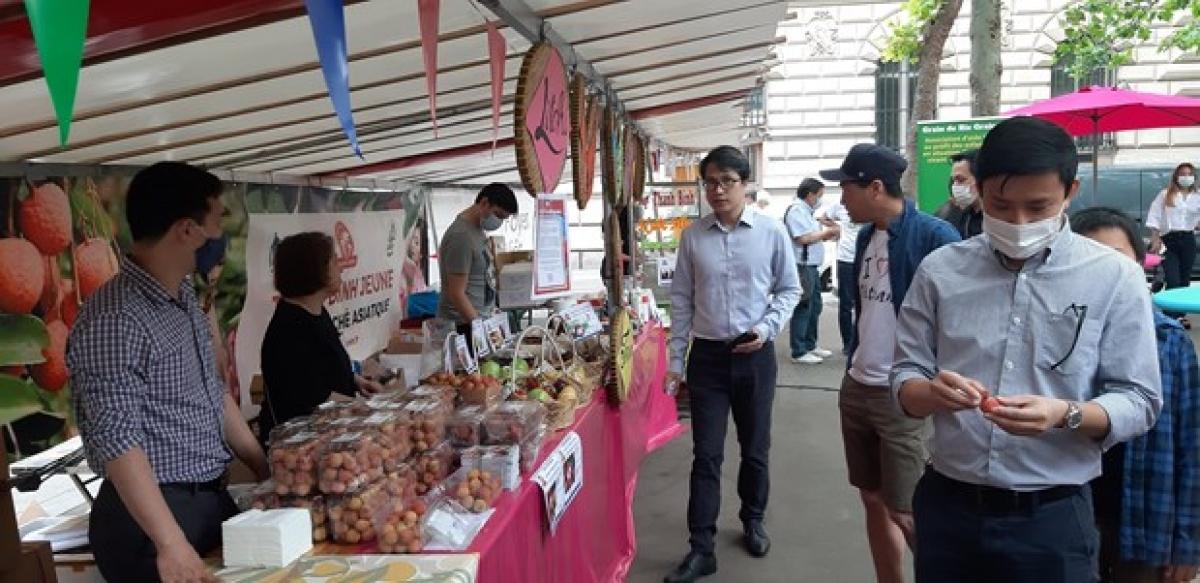 A Vietnamese cuisine festival is held outdoor atLa Place Mongein France's Paris on June 19.