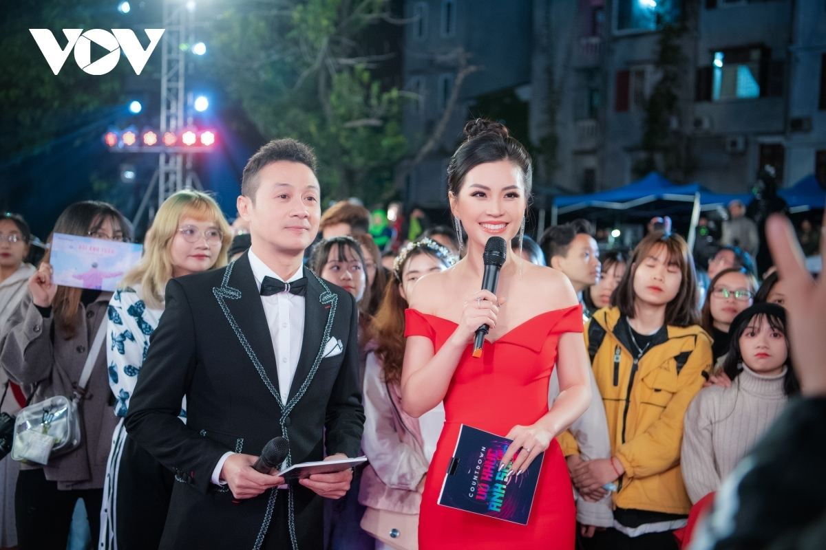 Á hậu Diễm Trang cùng MC Anh Tuấn