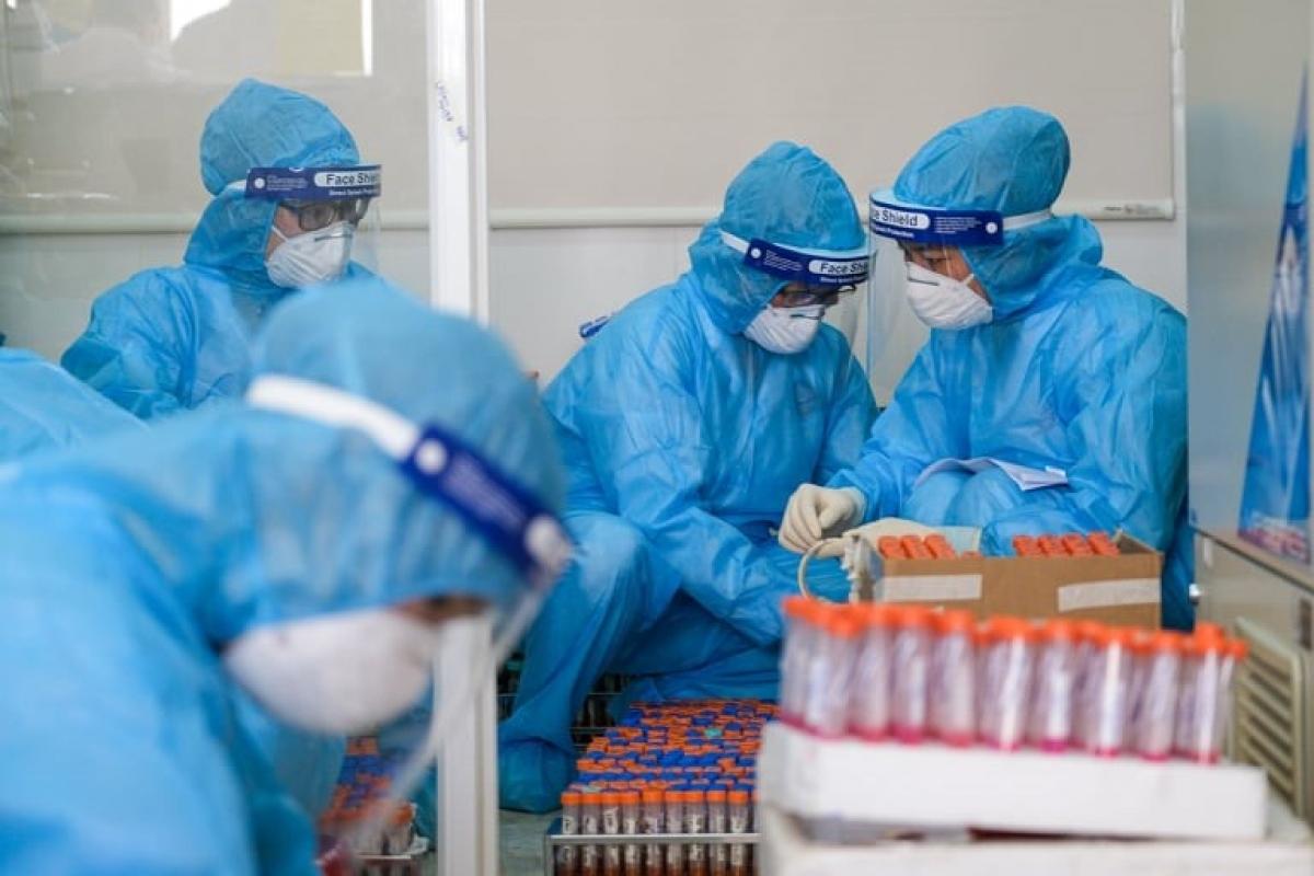 Chiều 25/6, Việt Nam có thêm 94 ca mắc COVID-19 trong nước, riêng TPHCM 54 ca.