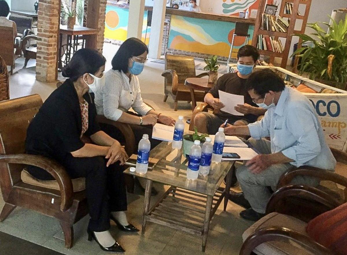 Đoàn kiếm tra một cơ sở lưu trú ở huyện Hàm Thuận Nam. Nguồn: Sở Văn hóa, Thể thao và Du lịch Bình Thuận