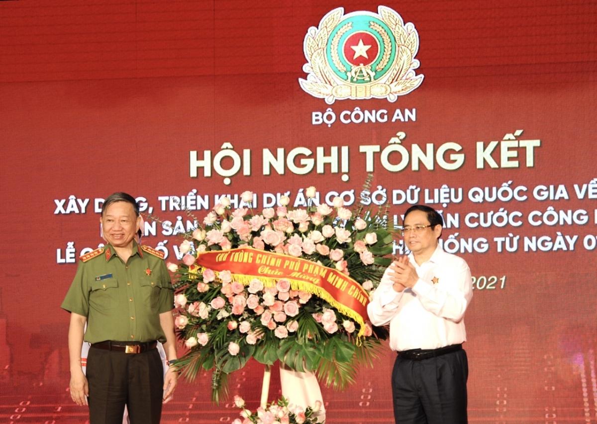 Thủ tướng Phạm Minh Chính và Bộ trưởng Bộ Công an - Đại tướng Tô Lâm tại Hội nghị, (Ảnh: Trọng Phú)