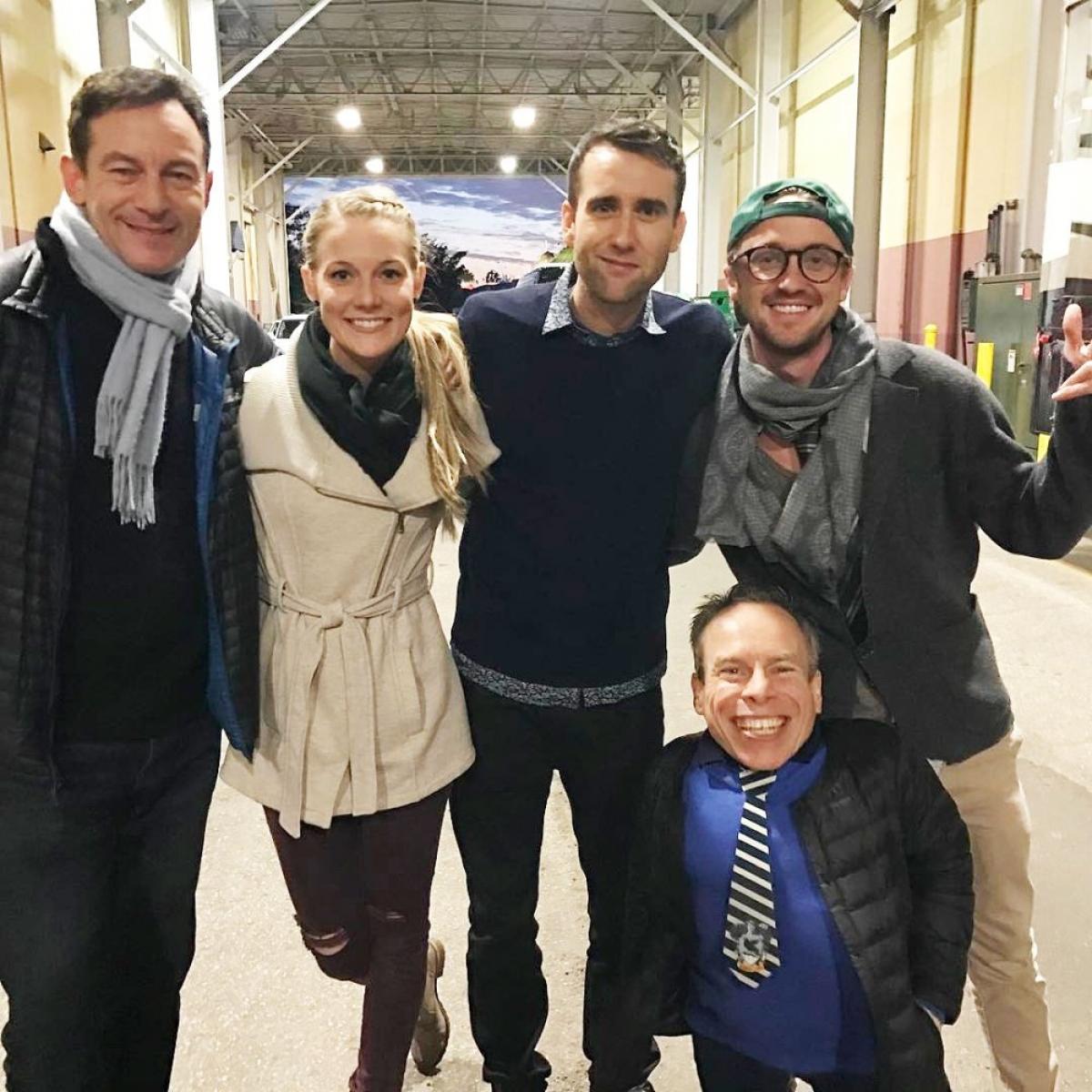 """Nam diễn viên Jason Isaacs (ngoài cùng bên trái), người đóng vai Lucius Malfoy của loạt phim """"Harry Potter"""" đã có dịp tái ngộ với Lewis, Felton và Warwick Davis vào năm 2017."""
