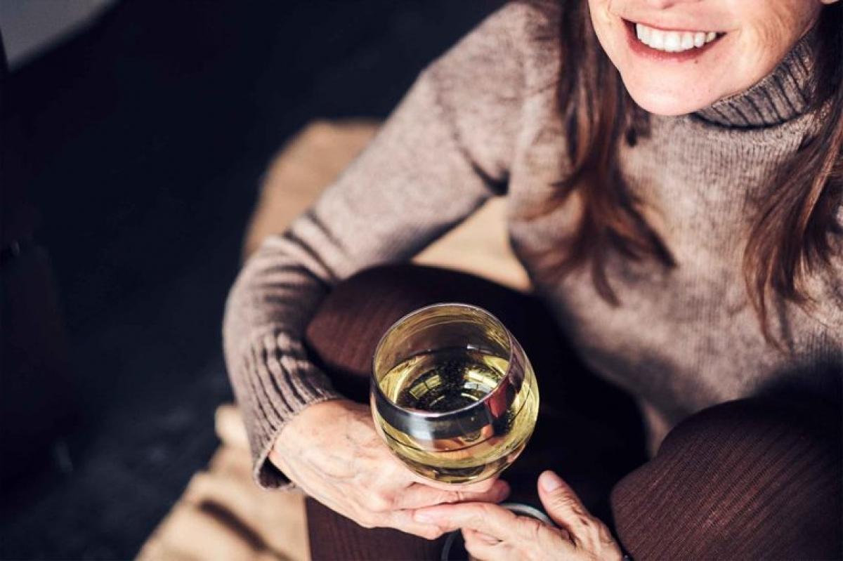 Bệnh gan: Sự suy giảm hàm lượng estrogen khiến gan khó hồi phục các tổn thương do rượu bia, vi khuẩn và mỡ thừa hơn. Phụ nữ sau mãn kinh dễ mắc các bệnh gan do cồn, viêm gan và xơ gan hơn./.