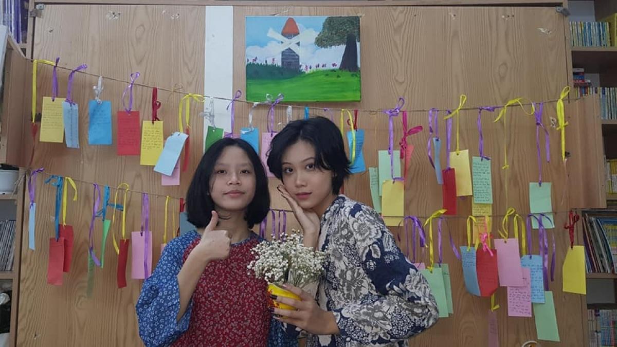 Một buổi sinh hoạt vui vẻ của các bạn khiếm thính ở Hội cha mẹ trẻ khiếm thính và người khiếm thính Việt Nam.