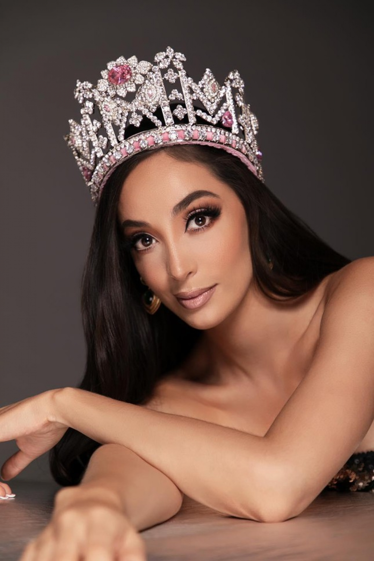 Eloísa Gutiérrez Rendón vừa được bổ nhiệm trở thành Hoa hậu Hoà bình Bolivia 2021. Cô sẽ đại diện quốc gia này dự thi Miss Grand International 2021 được tổ chức tại Thái Lan vào cuối năm nay.