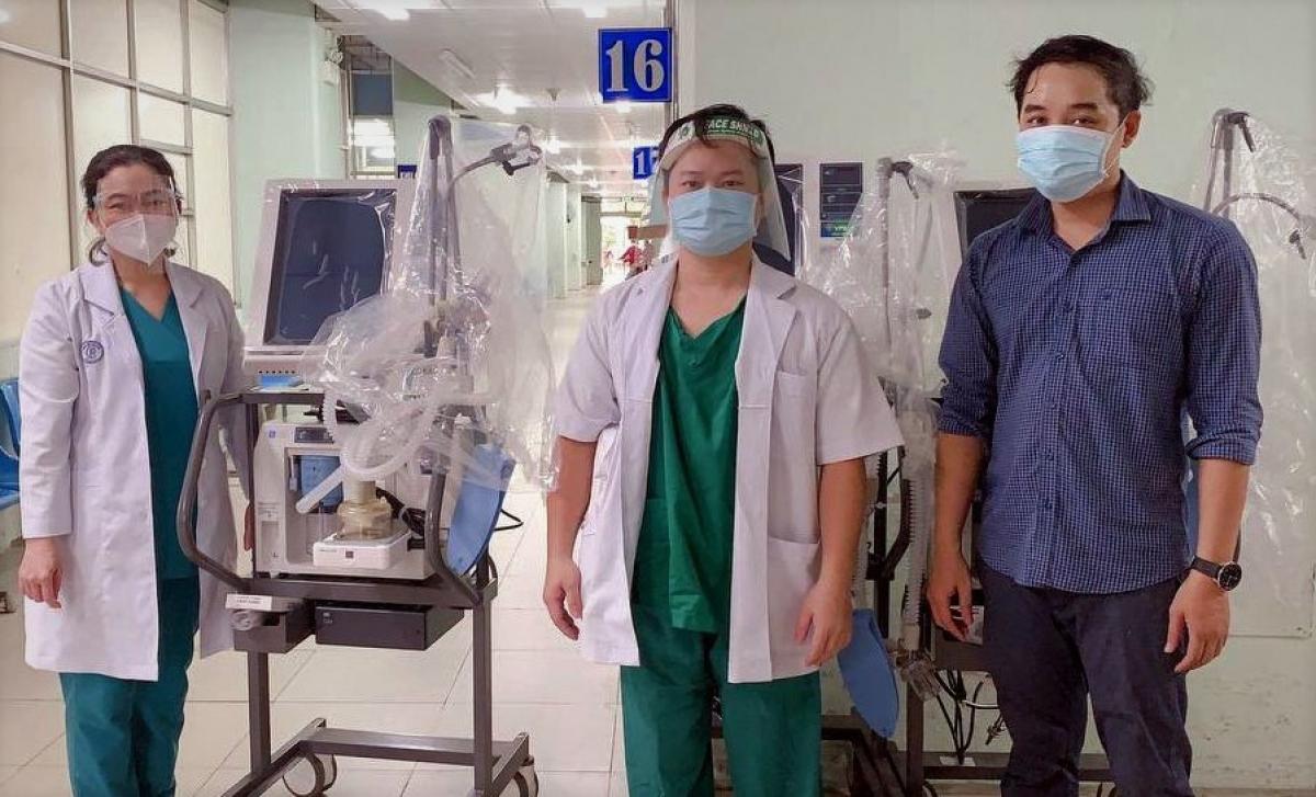 31 máy thở hiện đại do VPBank tài trợ đã được bàn giao cho các bệnh viện tại TP.HCM và Long An trong 2 ngày 19 - 20/7.
