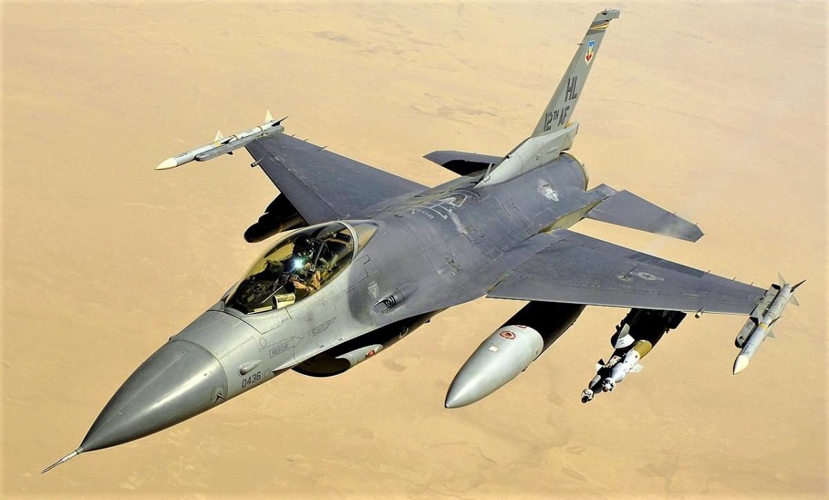 Một số lượng khá lớn F-16 Fighting Falcon đang có trong trang bị Không quân Mỹ và không quân nhiều nước; Nguồn: wikipedia.org.