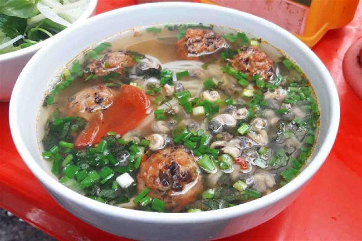 The hot version of snail noodle soup…