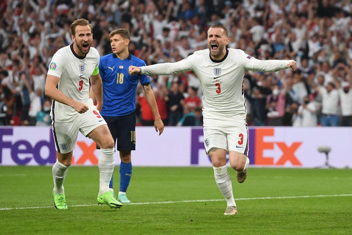 Anh có sự khởi đầu như mơ trong trận chung kết khi Luke Shaw ghi bàn mở tỷ số ngay phút thứ 2.