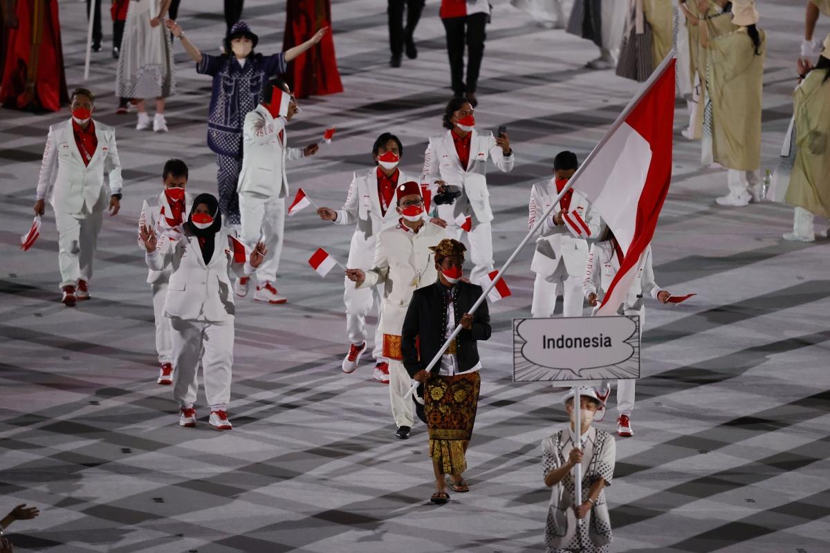 Đoàn thể thao Indonesia diễu hành. (Ảnh: Reuters).
