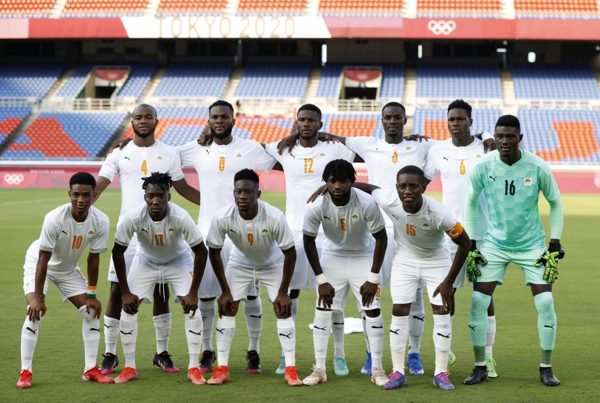 Sao MU Diallo gánh team. (Ảnh: Reuters).