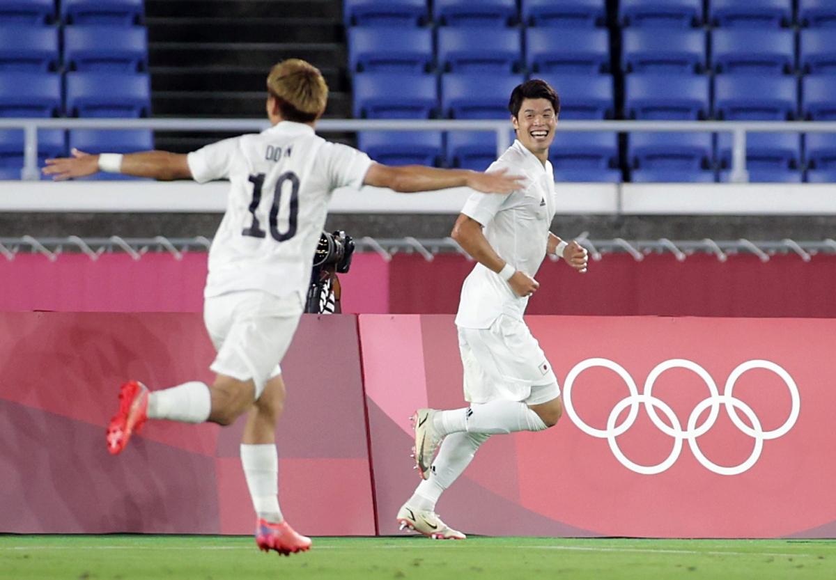 Nhật Bản đã có 3 bàn thắng vào lưới Pháp. (Ảnh: Reuters).