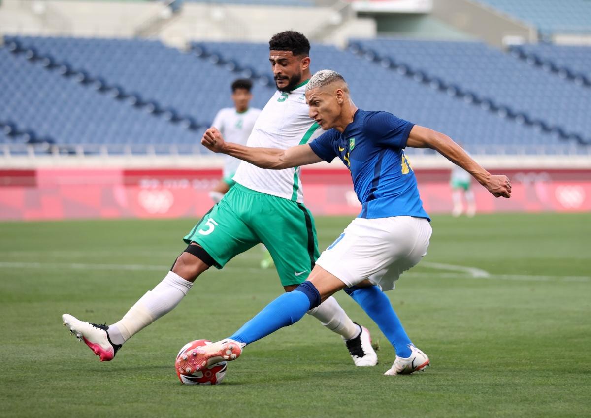 Brazil thi đấu áp đảo Saudi Arabia (Ảnh: Reuters).