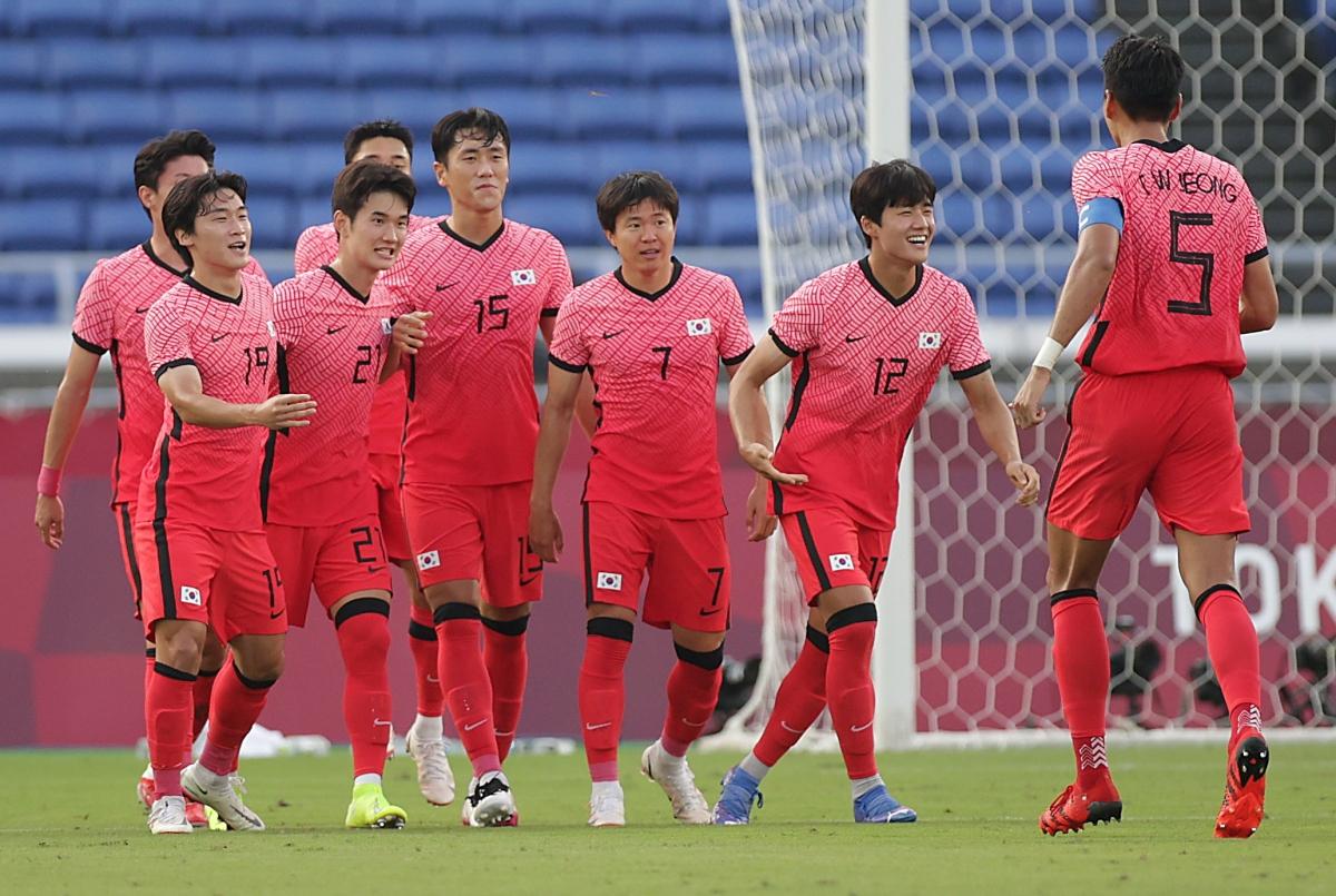 Hàn Quốc đang chơi thong dong trên sân Yokohama. (Ảnh: Reuters).