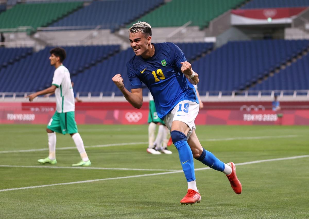 Brazil vào tứ kết với ngôi đầu bảng (Ảnh: Reuters).