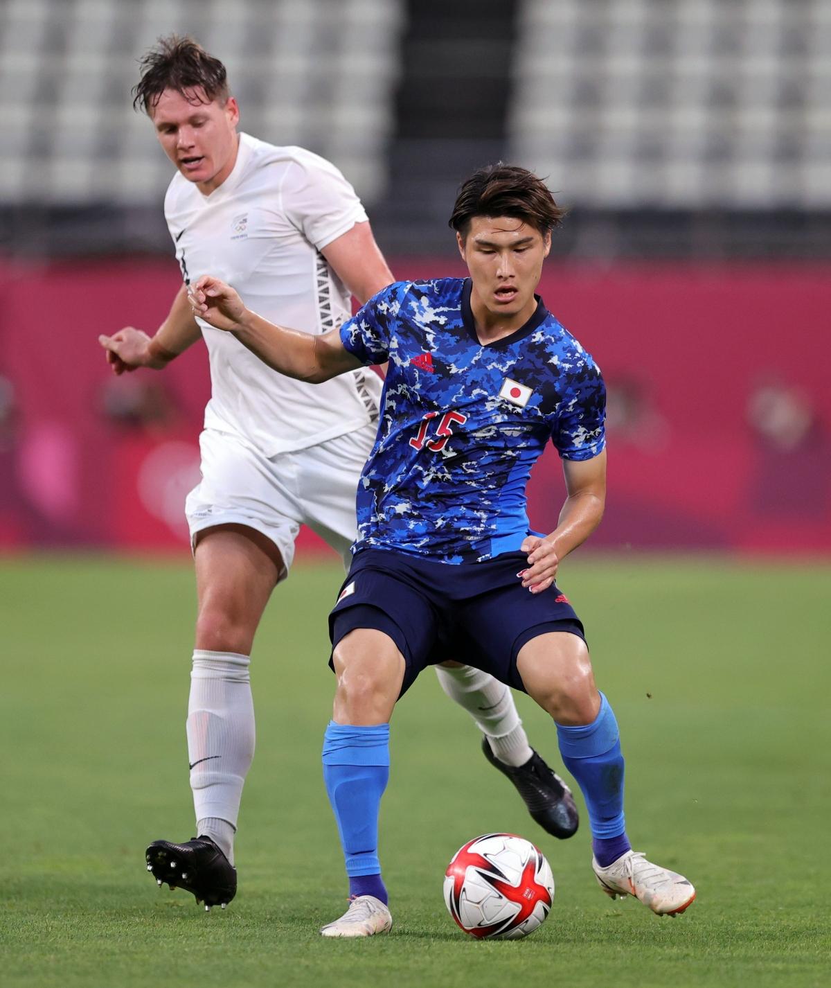Nhật Bản tung ra 6 cú dứt điểm về phía khung thành New Zealand trong hiệp một. (Ảnh: Reuters).