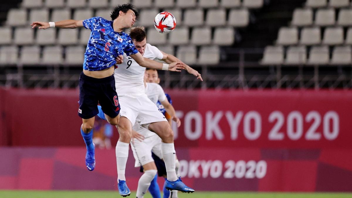 Nhật Bản vẫn đang là đội ép sân trong hiệp hai. (Ảnh: Reuters).