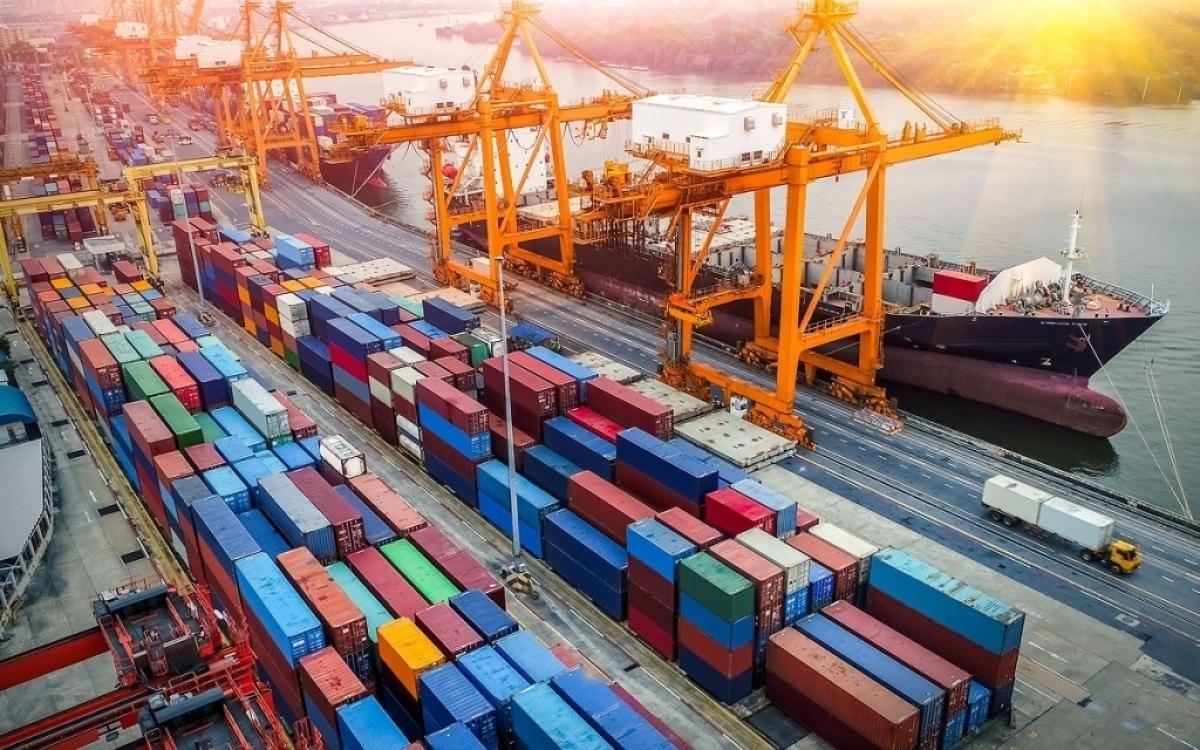 6 tháng đầu năm nay, tổng kim ngạch xuất nhập khẩu hàng hóa đạt 316,73 tỷ USD (Ảnh minh họa: KT)