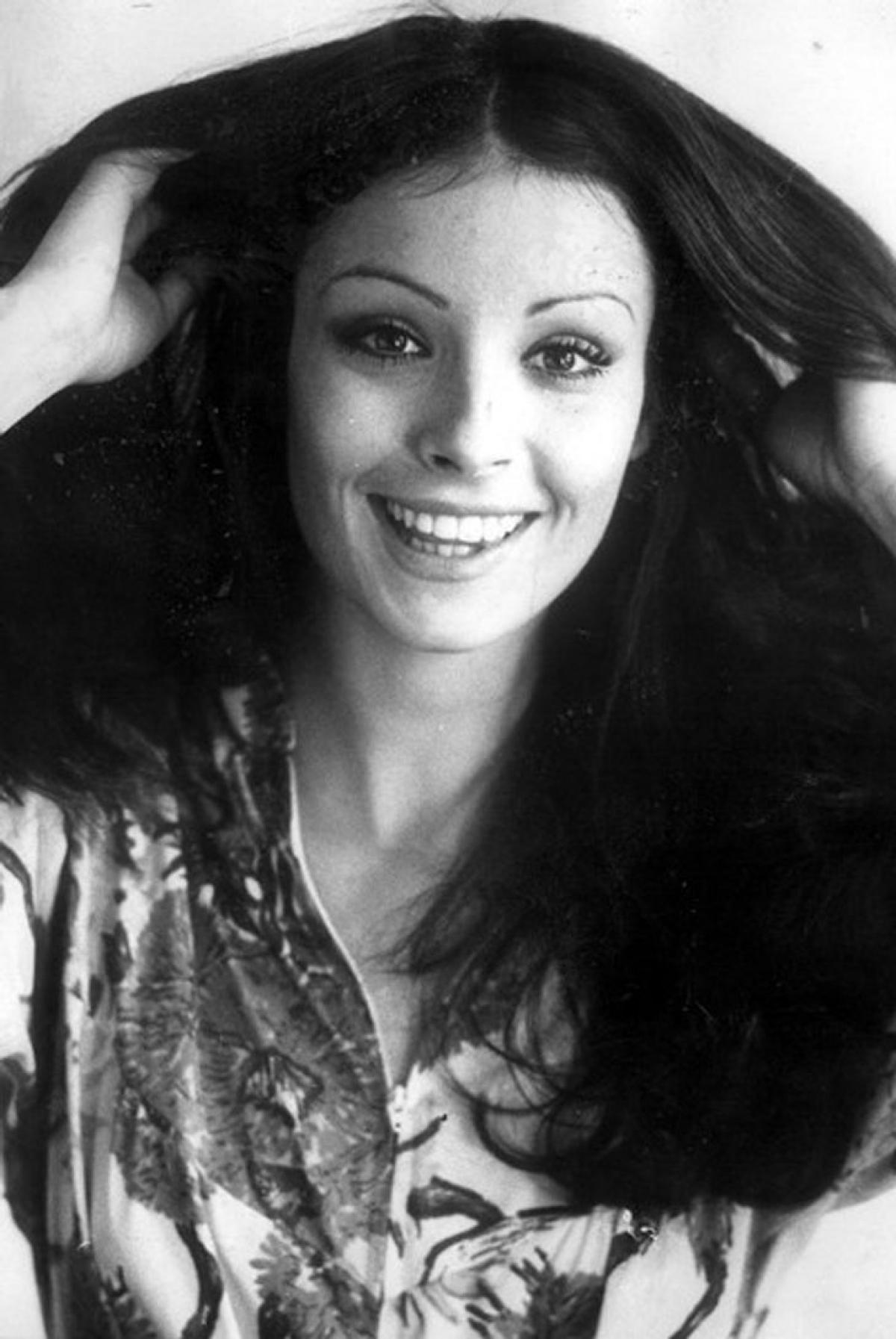 Amparo Munoz đăng quang Hoa hậu Hoàn vũ 1974.