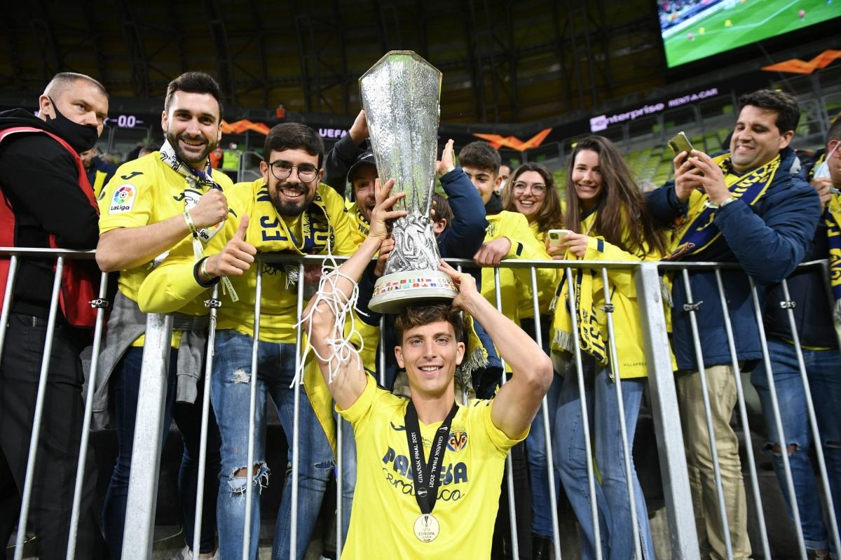 4. Trung vệ Pau Torres | Tây Ban Nha | Villarreal | Định giá chuyển nhượng: 50 triệu Euro