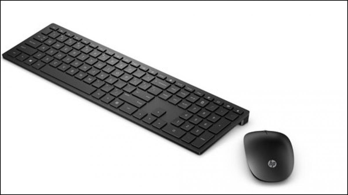 Bàn phím HP Pavilion 800 nổi bật bởi kiểu dáng đẹp, độ mỏng và các phím bấm dễ chịu, êm khi sử dụng.