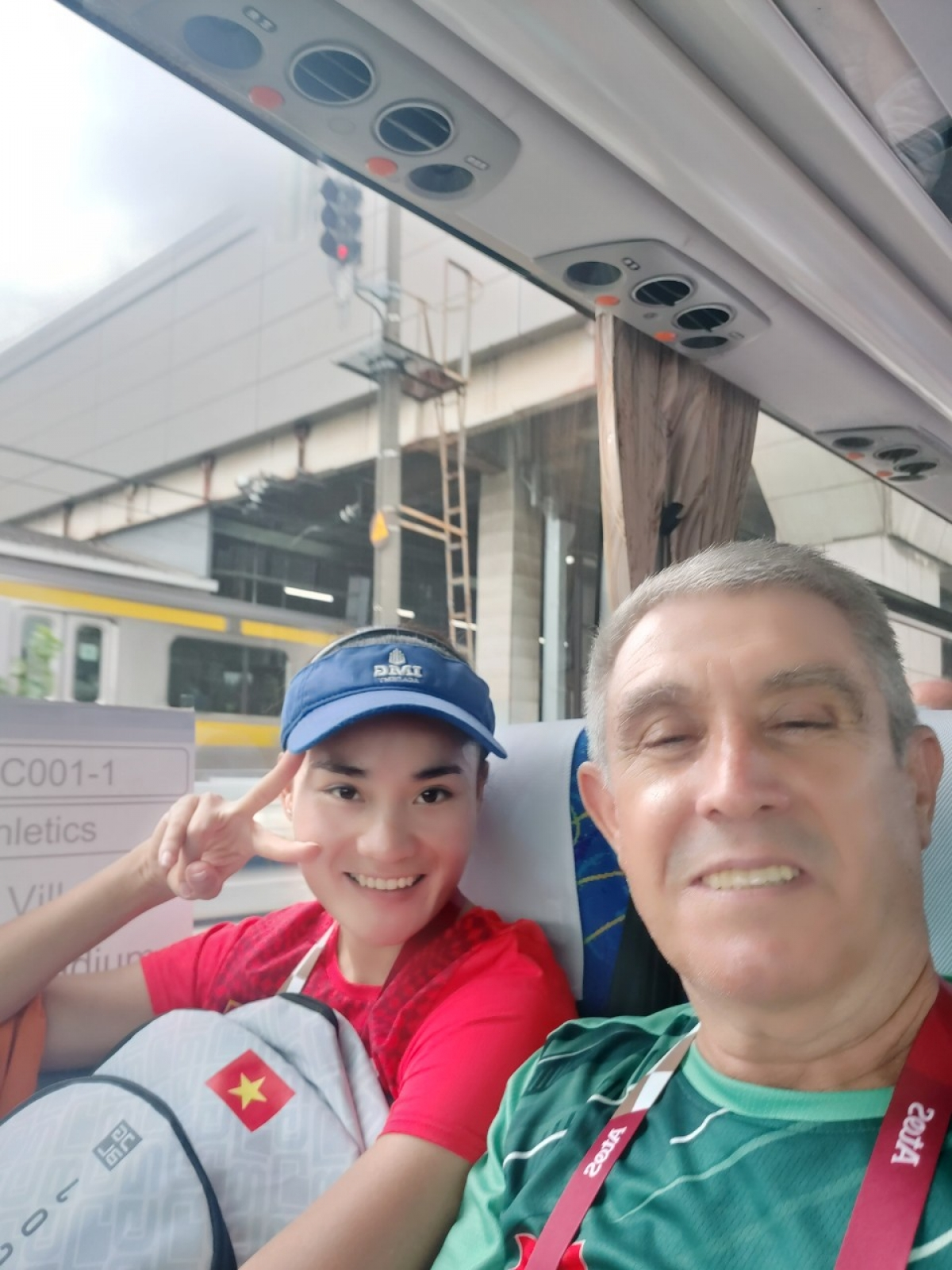 Đồng hành cùng Quách Thị Lan ở Olympic Tokyo là HLV, chuyên gia ngườiBulgaria - Vladimir Hristov.