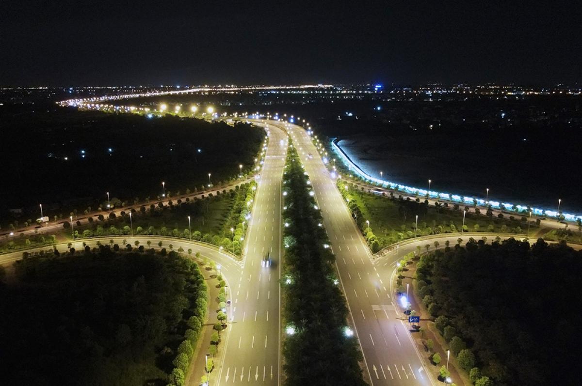 Tuyến đường Võ Nguyên Giáp hướng vào trung tâm thành phố Hà Nội./.