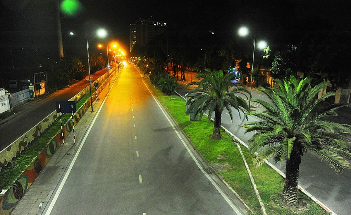 Tuyến đường Trần Quang Khải thưa thớt có vài phương tiện qua lại.
