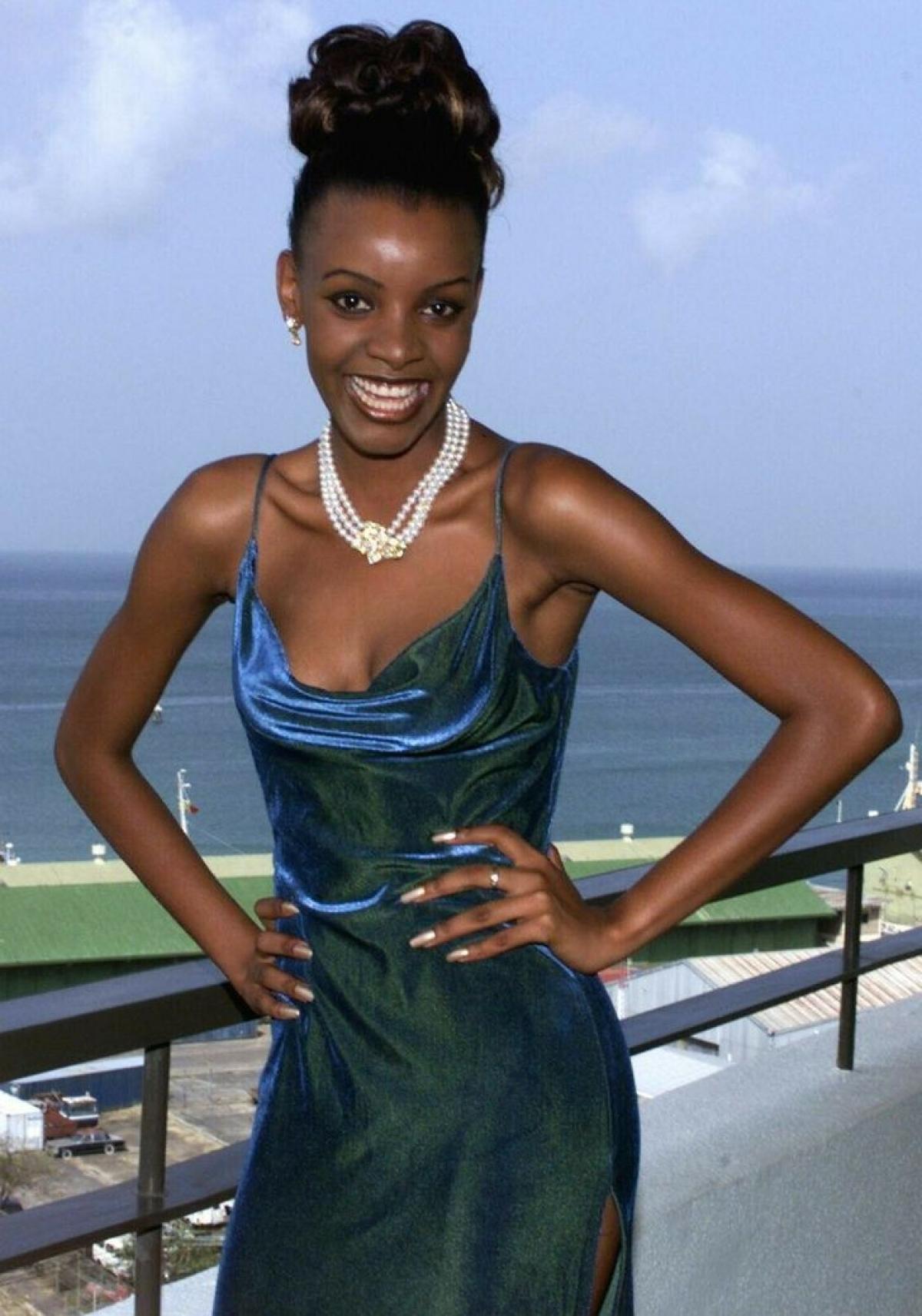 Mpule Kwelagobe là một hoa hậu của đất nước Botswana. Cô là Hoa hậu Hoàn vũ Botswana 1999 và đồng thời cũng là Hoa hậu Hoàn vũ 1999. Năm 1999, Mpule chiến thắng trong cuộc thi Hoa hậu Hoàn vũ Botswana lần đầu tiên được tổ chức.