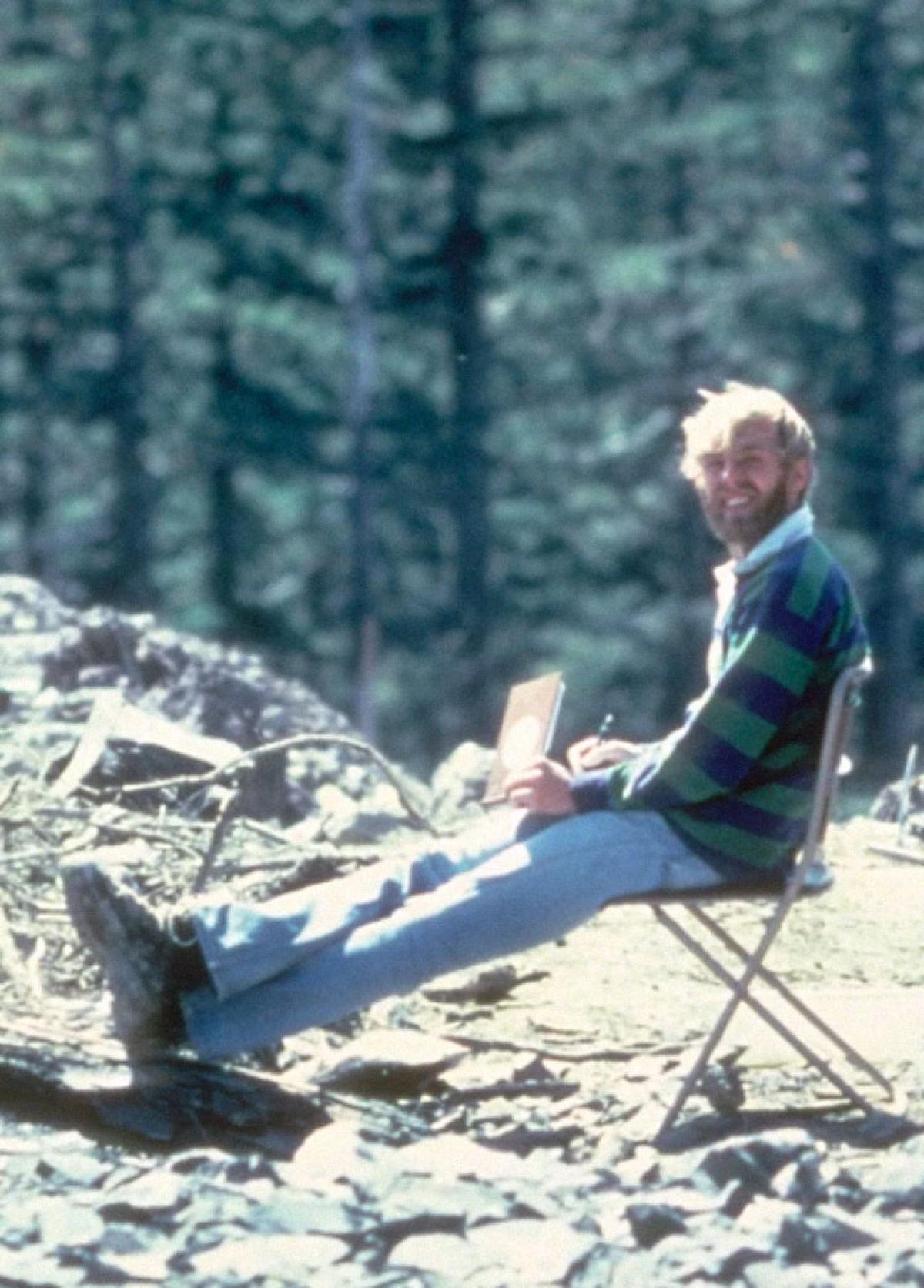 13 tiếng sau khi chụp bức ảnh này, nhà nghiên cứu núi lửa người Mỹ David A. Johnston và 56 người khác đã thiệt mạng trong vụ núi lửa phun trào ngày 18/5/1980.
