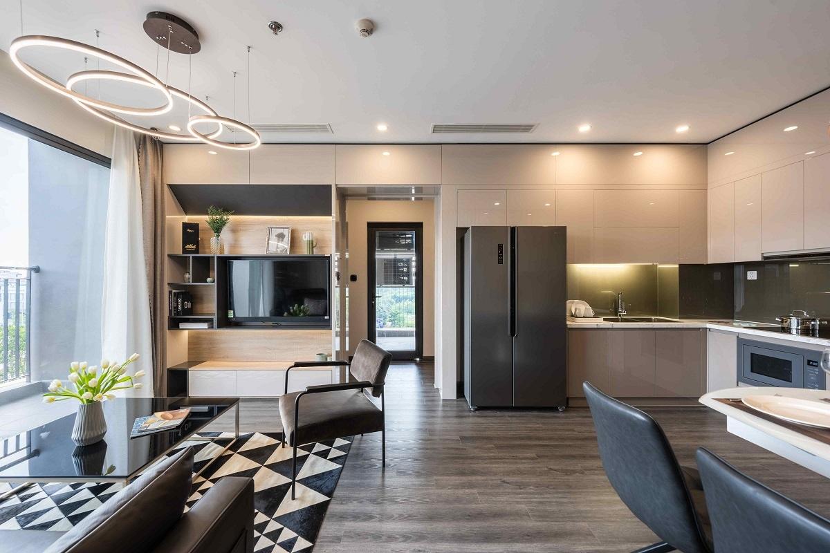 Khách thuê tham gia chương trình Tổ ấm an vui có 2 sự lựa chọn: căn hộ đã hoàn thiện nội thất đầy đủ, bao gồm đồ điện tử hoặc căn hộ hoàn thiện nội thất cơ bản.