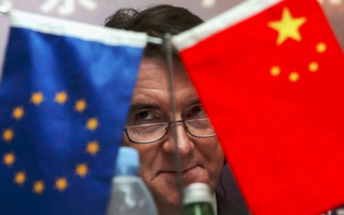 Một nghị sĩ của Nghị viện châu Âu trong một cuộc họp song phương với Trung Quốc. Ảnh: AFP.