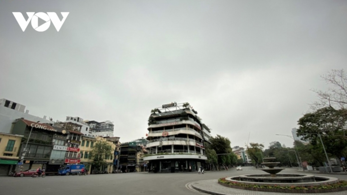 Many streets in Hanoi have been left deserted before the social distancing order takes effect.