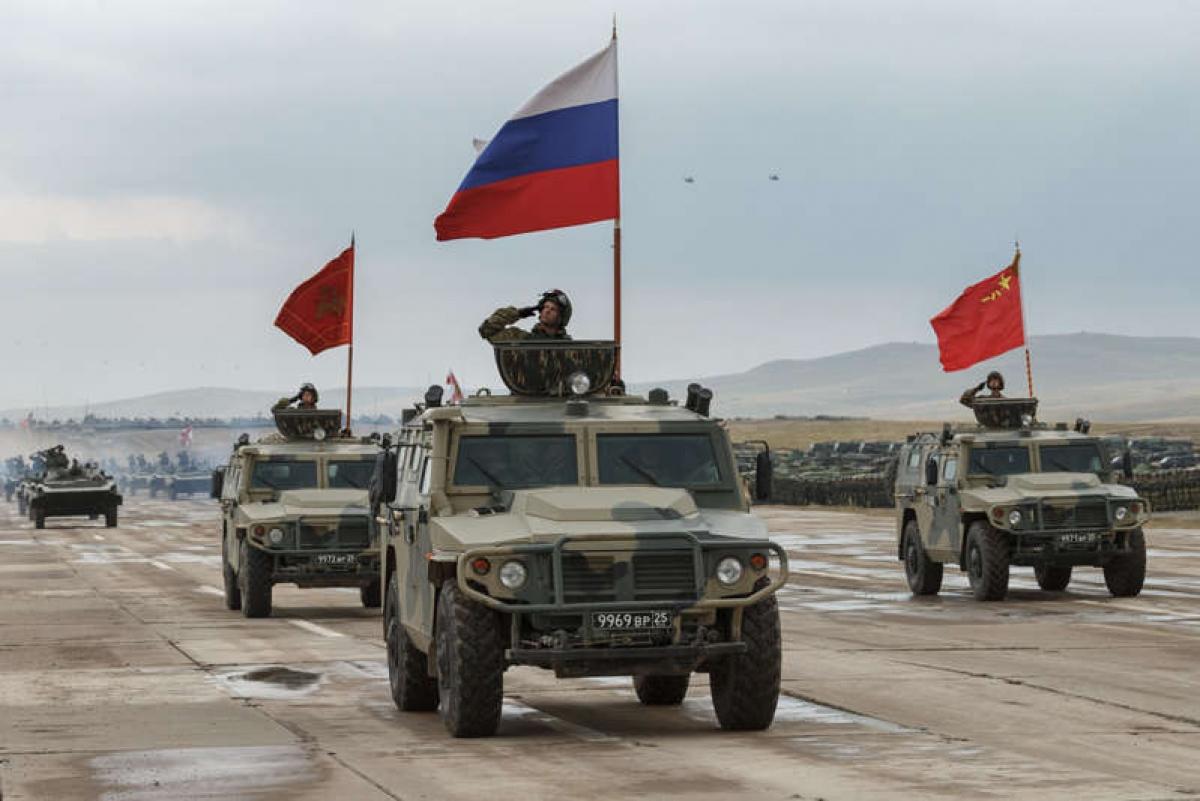 Các lực lượng cua Nga và Trung Quốc tại cuộc tập trận chung Vostok ngày 13/9/2018 tại Siberia. Ảnh: Bộ Quốc phòng Nga