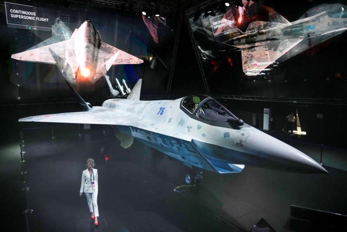 Tiêm kích Checkmate tại triển lãm hàng không MAKS-2021 ngày 20/7. Ảnh: AP