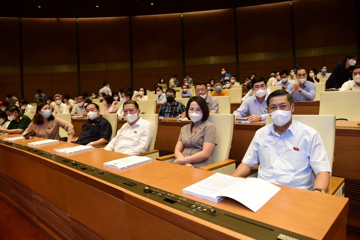 Các đại biểu Quốc hội khoá XV dự phiên họp