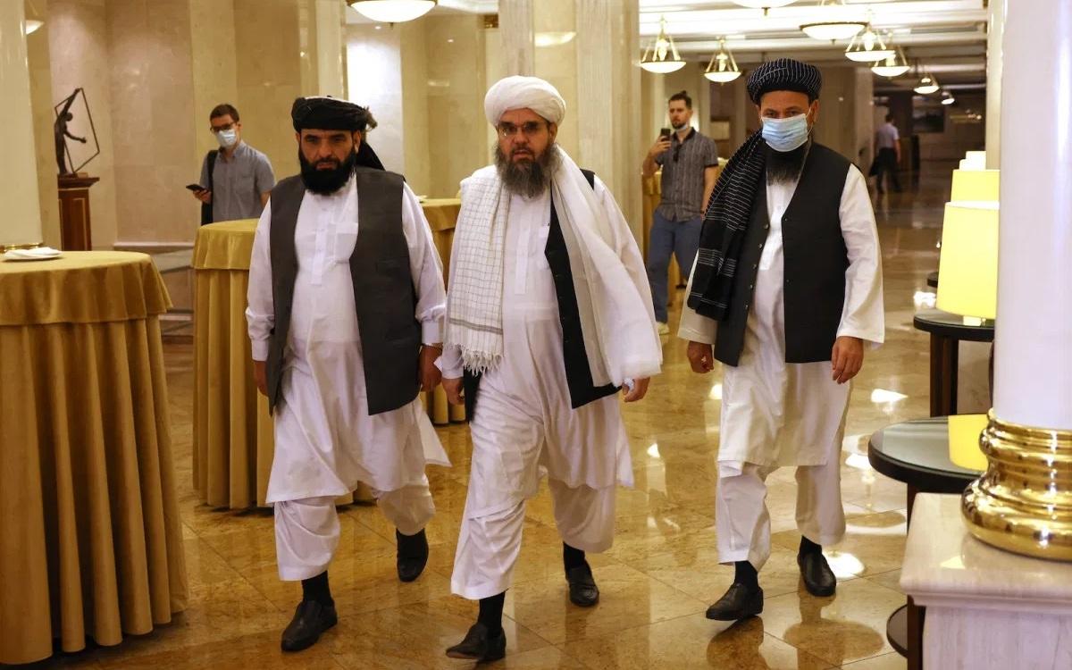 Ba nhà đàm phán của Taliban xuất hiện tại Moscow (Nga) vào tháng 7/2021. Ảnh: AFP.