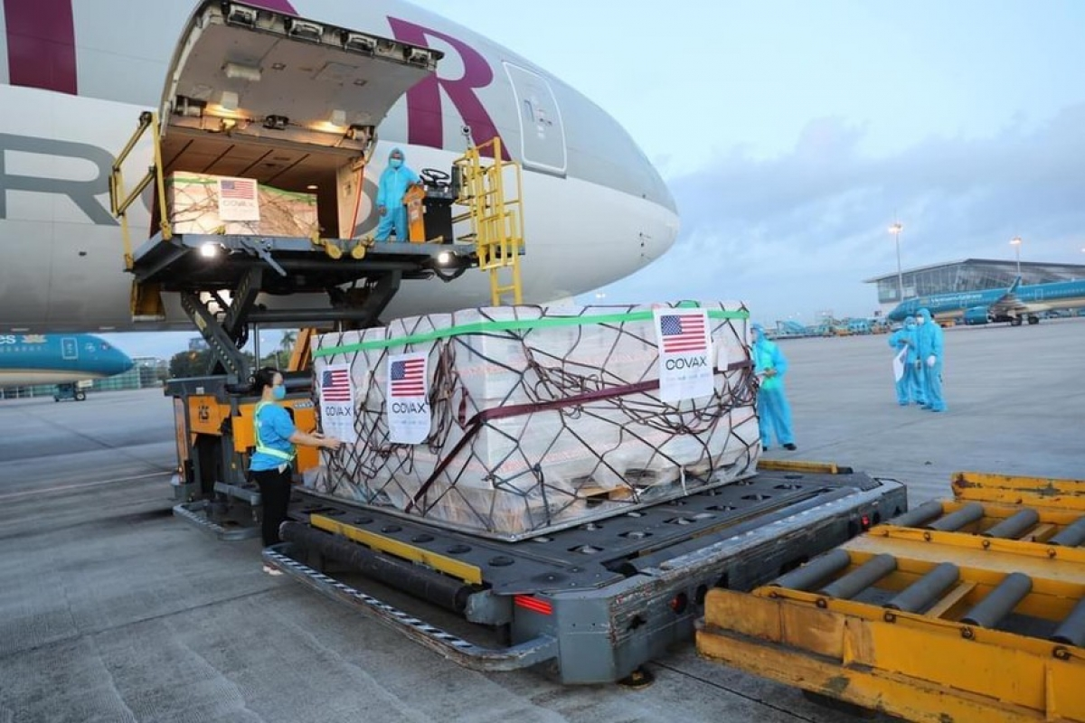 The US shipment of 2 million doses of the Moderna COVID-19 vaccine has arrived in Hanoi. (Photo: USAID)