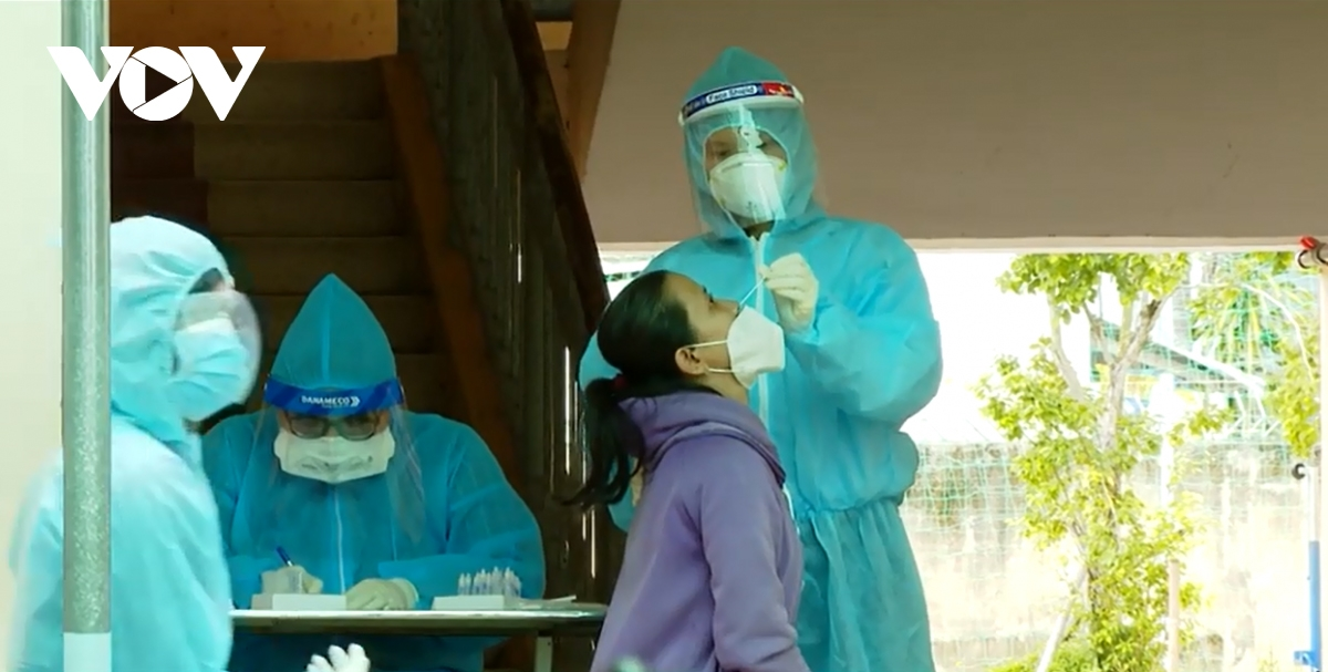 southern Vinh Long province has stepped up COVID-19 testing after many new cases were recorded every day..